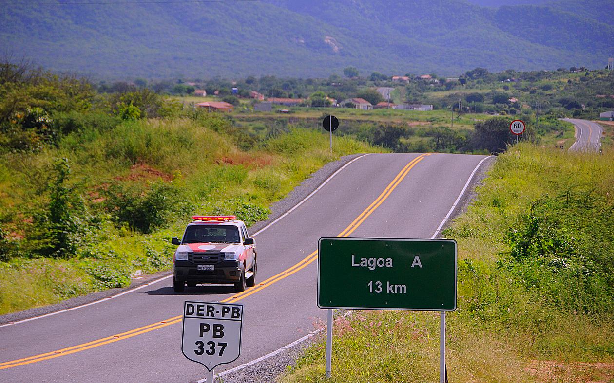 Estudantes de Lagoa reclamam da falta de transporte para Patos