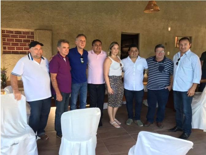 Prefeitos de Bom Sucesso e Riacho se reúnem com Aguinaldo Ribeiro e Galego Souza