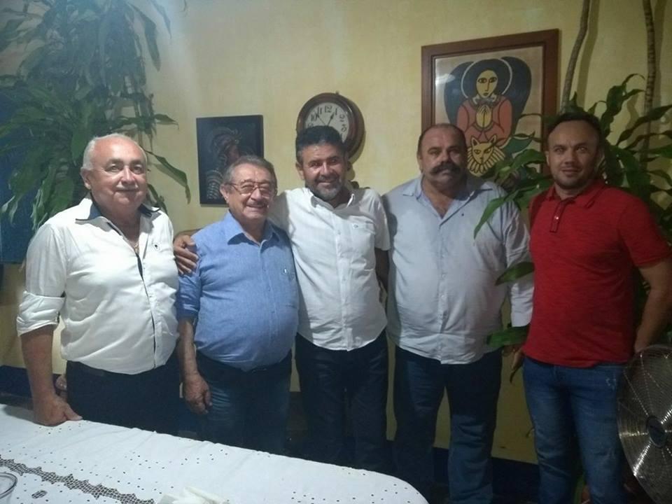Aliados do prefeito de Jericó se reúnem com Zé Maranhão