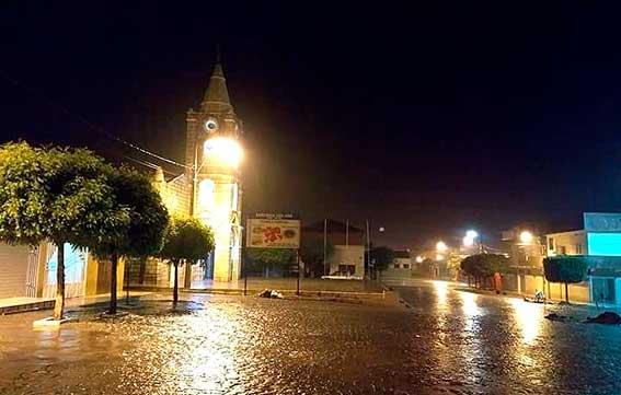 Chove em vários municípios do Médio Piranhas; volume do Açude Carneiro aumenta 30 cm