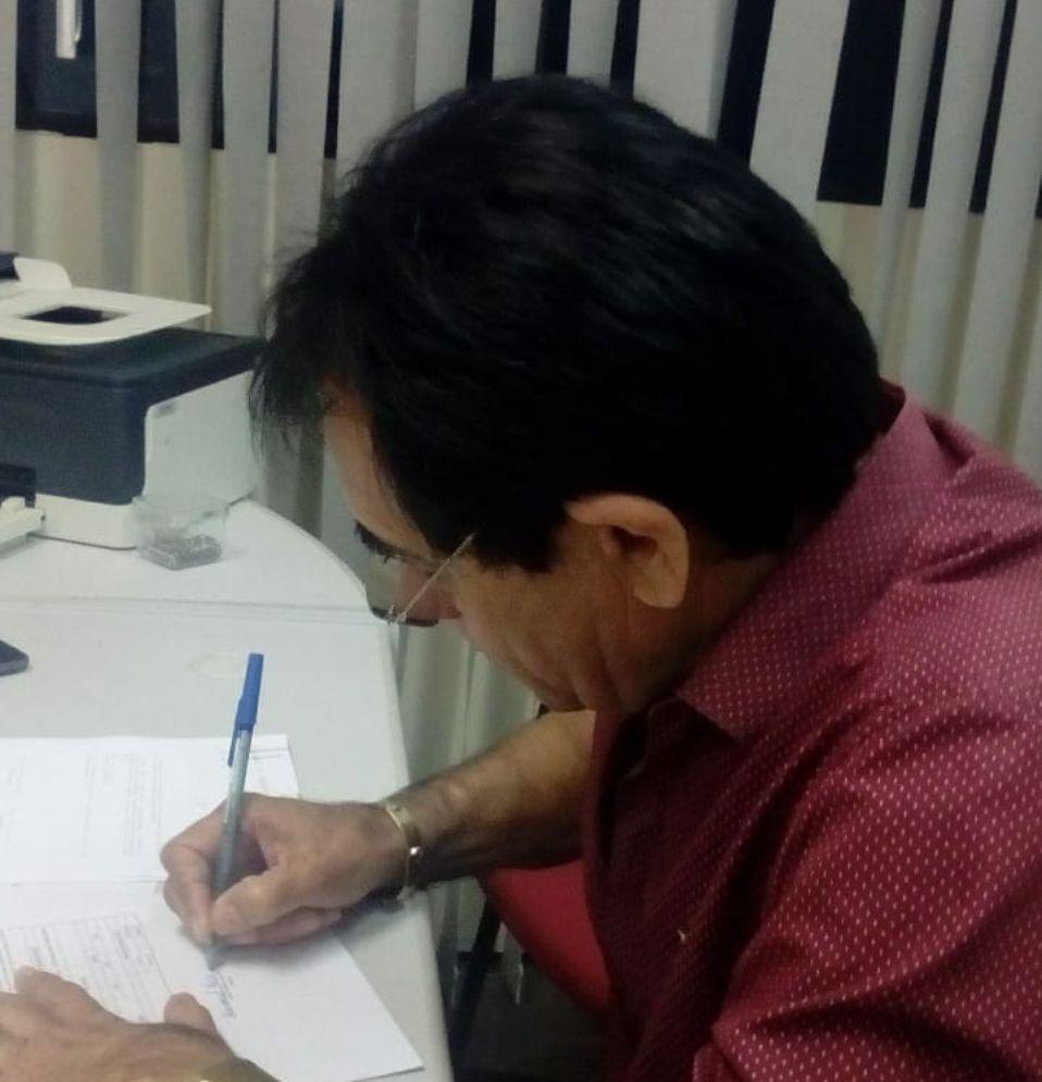Prefeito de Mato Grosso assina convênio com Governo do Estado