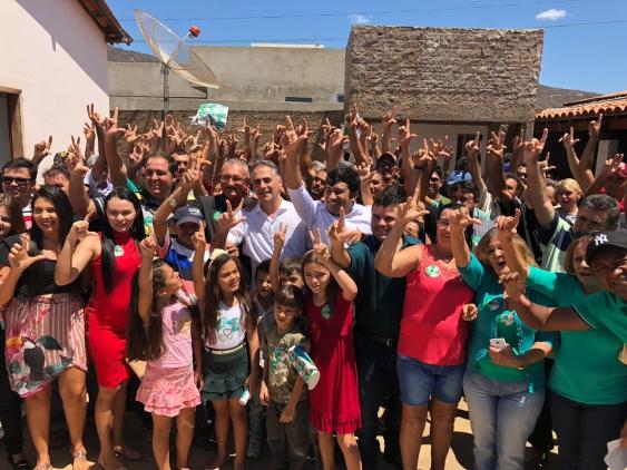 Lucélio Cartaxo visita Lagoa e ouve demandas da população; veja fotos