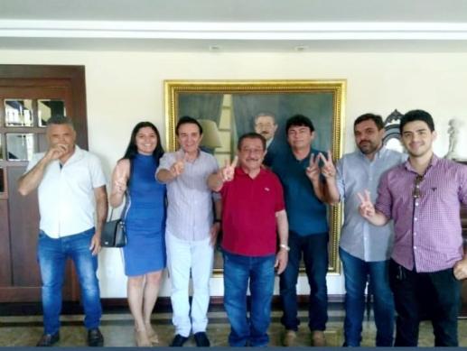 Zé Maranhão recebe apoio de prefeito e vereadores de Jericó