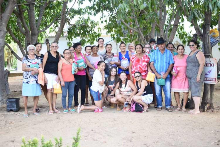 Grupo Melhor Idade do CRAS de Mato Grosso participa de passeio em chácara