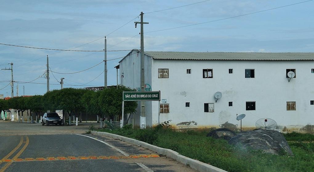 Prefeitura de São José do Brejo do Cruz gastará R$ 800 mil para compra de 700 pneus