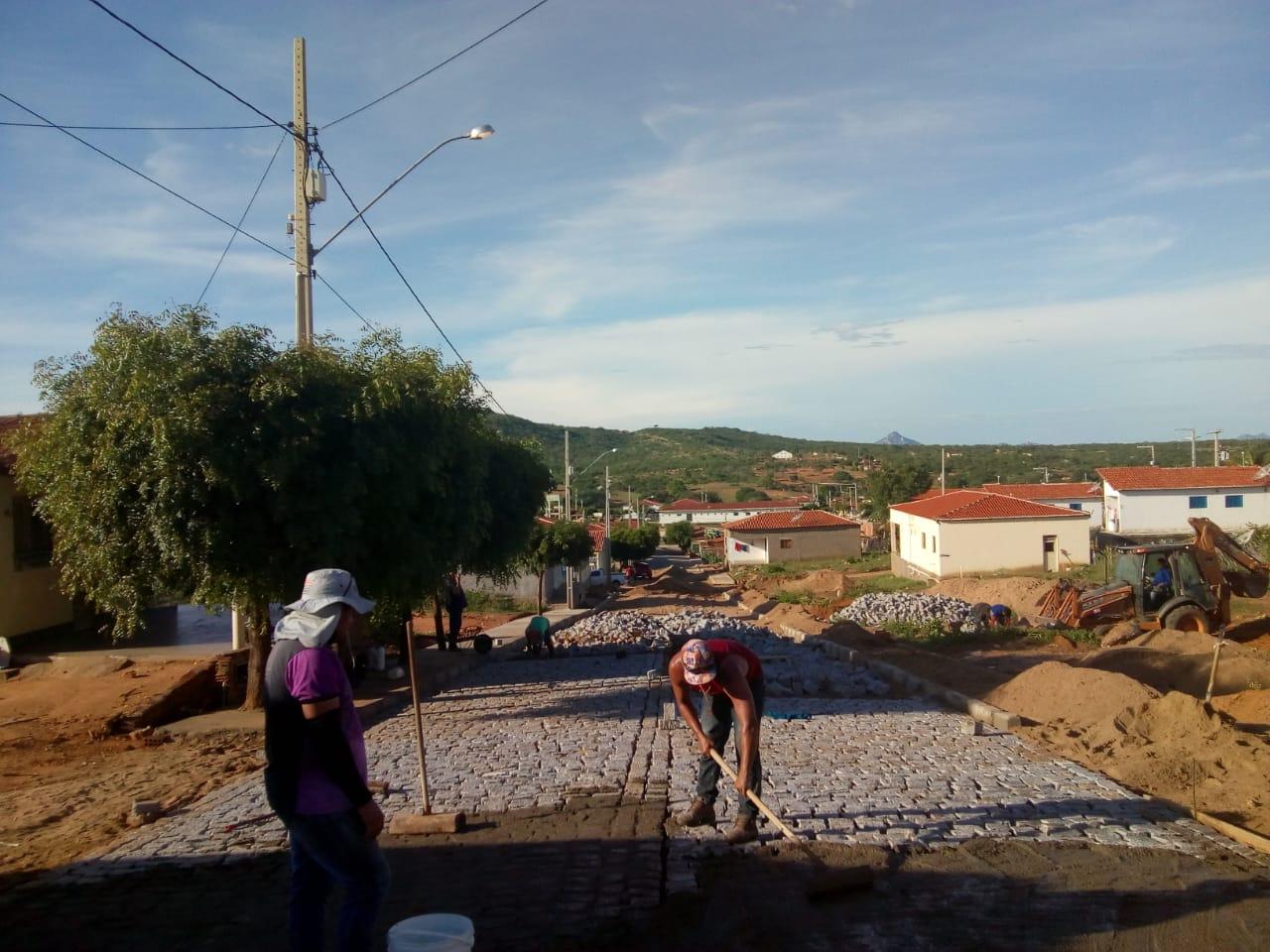 Prefeitura de Mato Grosso executa obras de pavimentação em ruas