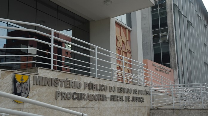 Prefeita de São Bentinho contratou servidor fantasma para pagar compra de boi