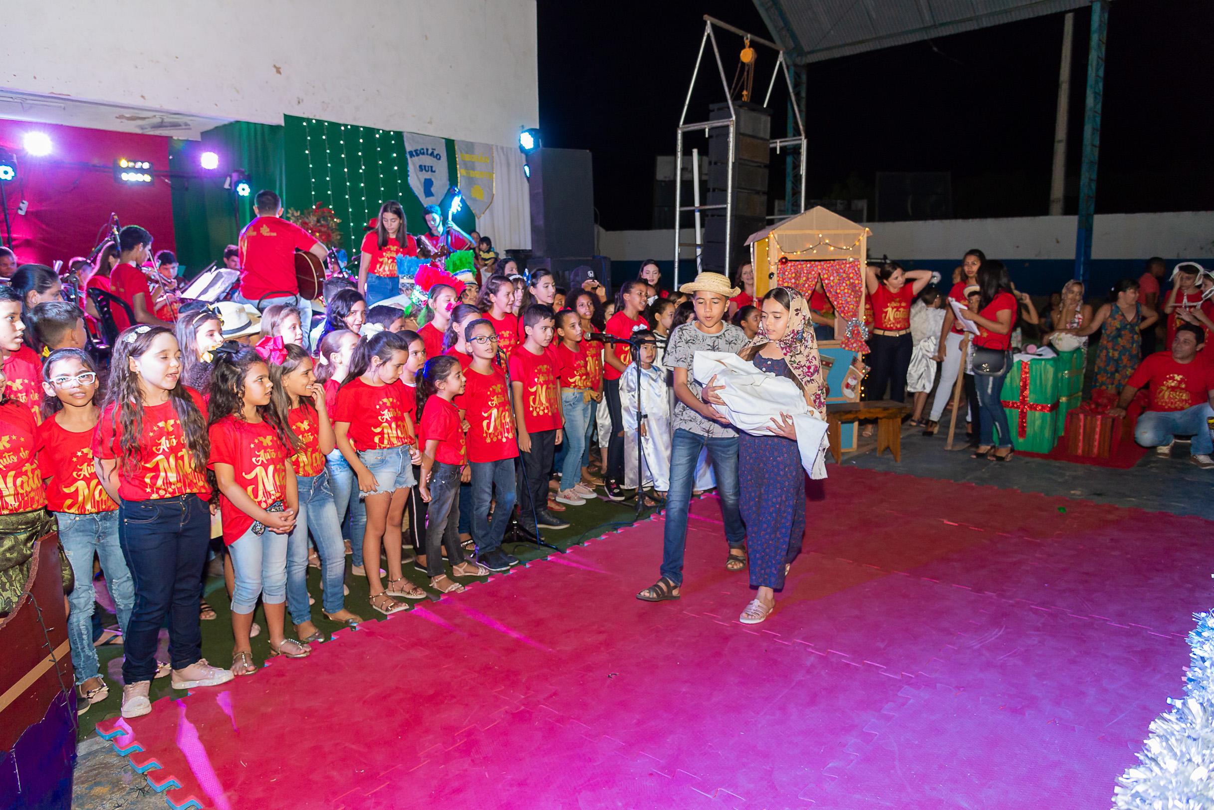 População de Jericó prestigia 'Natal Brasileiro' do Instituto Social Alumiar