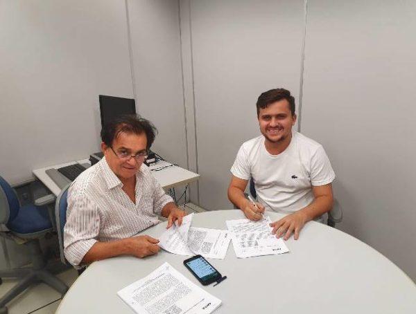 Prefeito de Lagoa assinou contratos para mais de R$ 2 milhões em obras no município