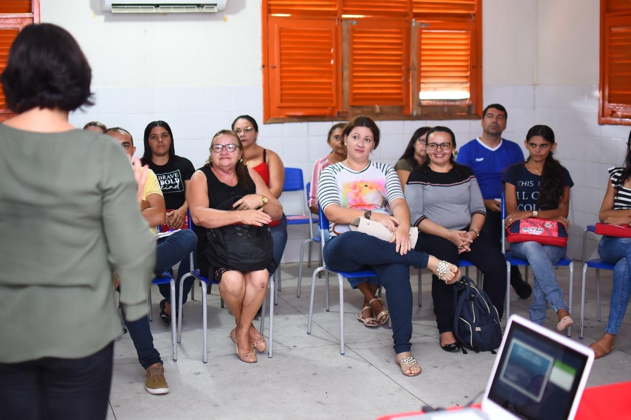 Secretaria de Educação de Mato Grosso realiza formação com profissionais sobre nova Base Nacional Comum Curricular