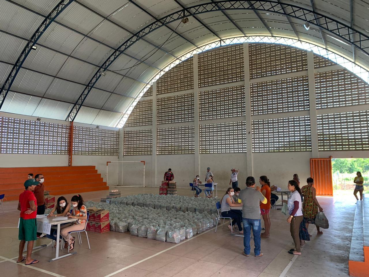 Prefeitura de Mato Grosso entrega 1.000 cestas básicas a famílias carentes do município