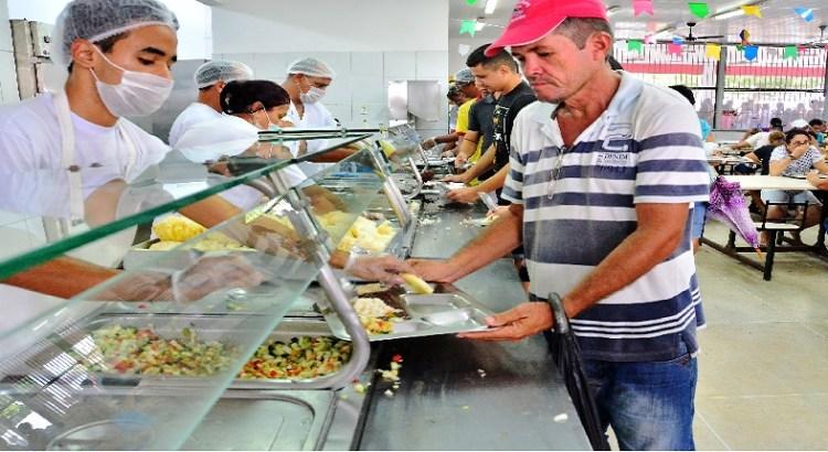 Governador João Azevêdo anuncia implantação de restaurantes populares em Pombal e São Bento