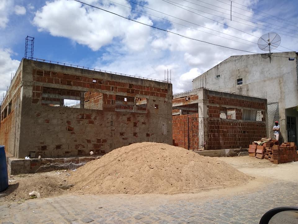 Vereadores de Jericó enviam ofício ao prefeito sobre suposta construção irregular em imóvel público