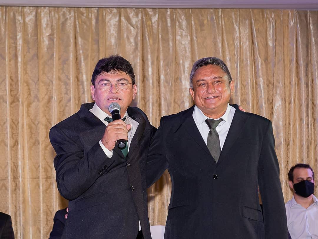 Kadson Monteiro toma posse como prefeito de Jericó