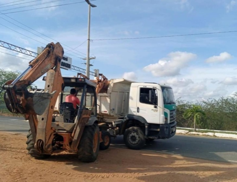 Prefeitura de Catolé do Rocha realiza mutirão de limpeza