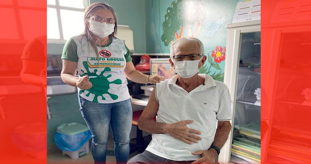 Profissionais de saúde em cidades do Médio Piranhas são vacinados contra a Covid-19