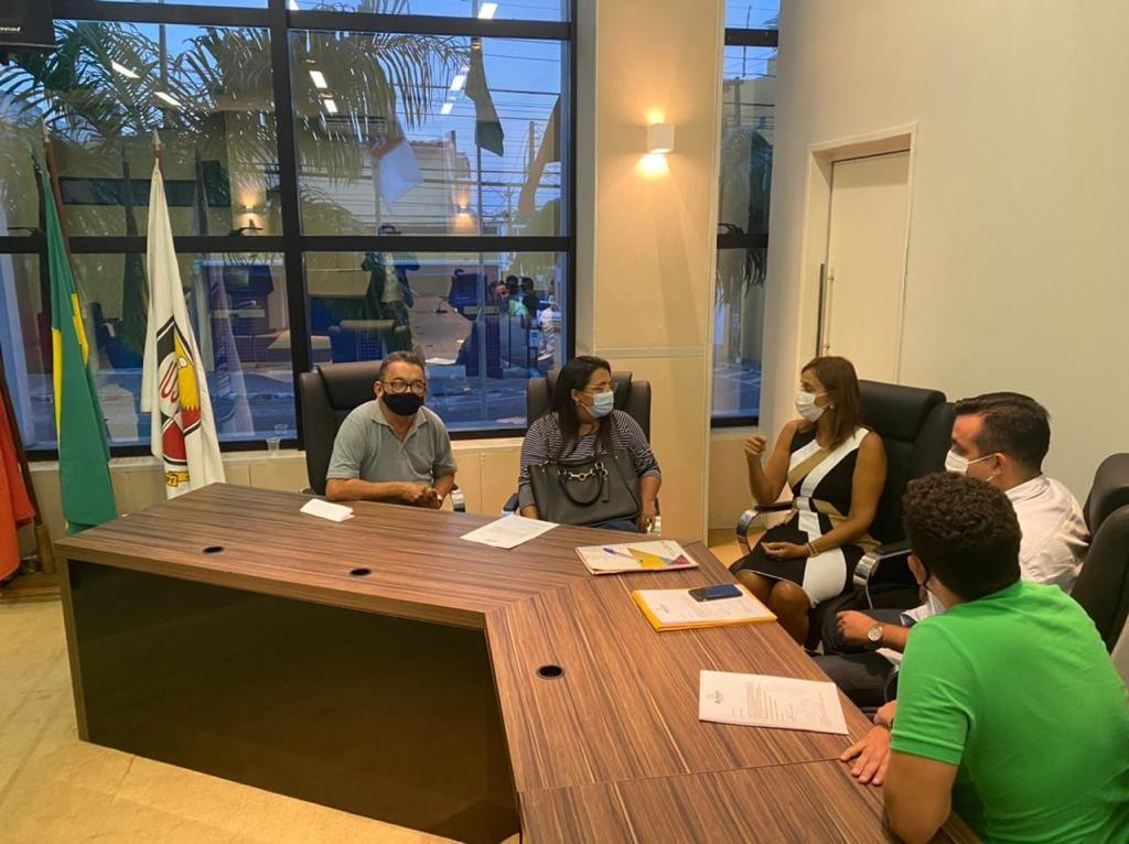 Vereadores do Médio Piranhas participam de encontro com Ana Cláudia Vital