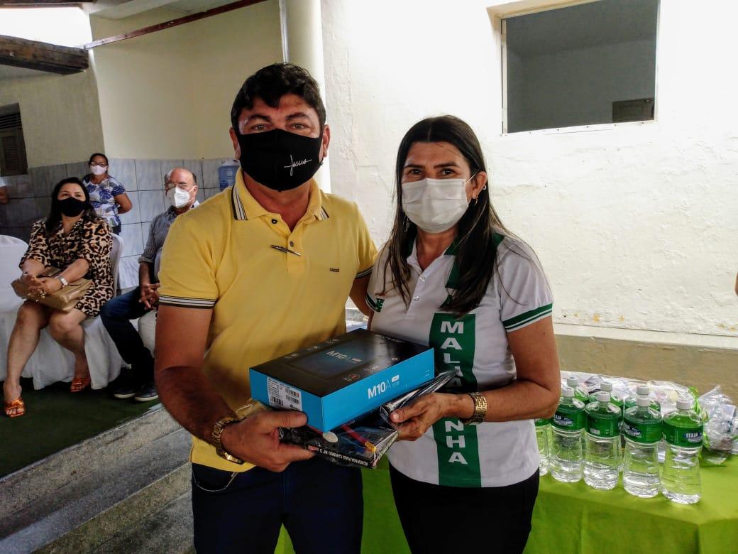 Agentes de Saúde e de Endemias recebem tablets em Jericó