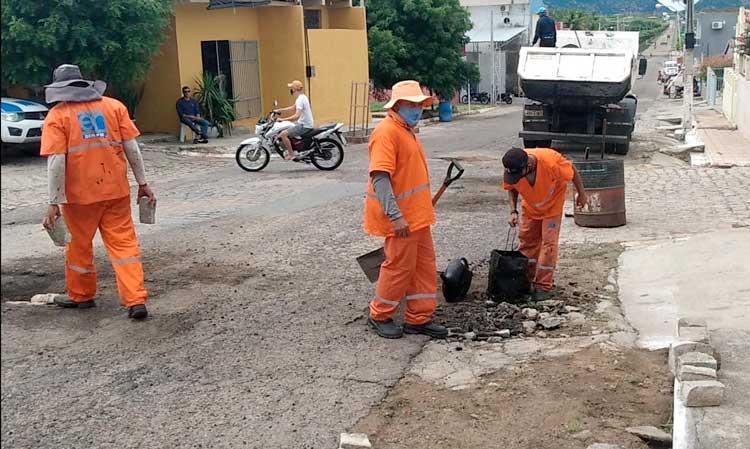DER-PB realiza operação tapa-buracos em Jericó